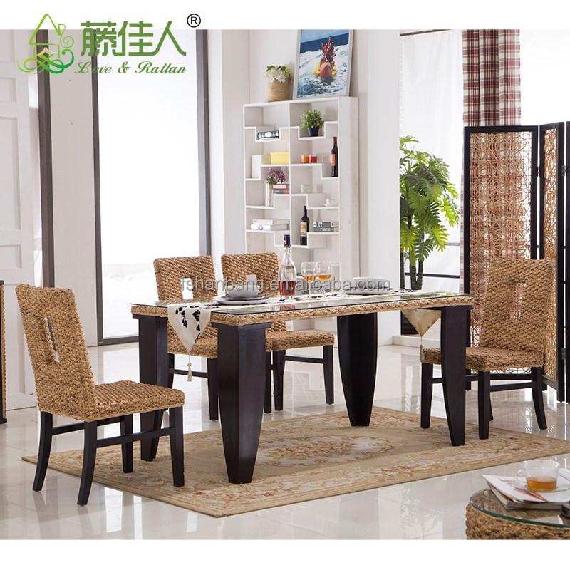 Sillas mimbre comedor asiento de ratn mesa de comedor y for Asientos de comedor