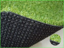 Hard-wearing natural appearance artificial grass for golf