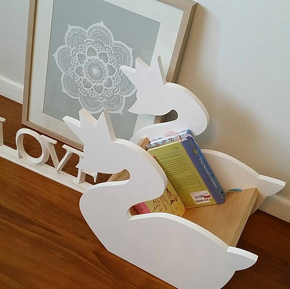 High Quality white cute kids fibreboard swan shape bookshelf