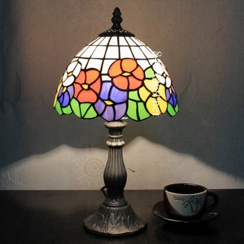 High Quality Tiffany Modern Table Lamp With Beautiful