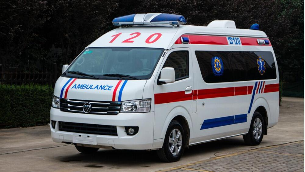 Ambulance For Sale >> Petrol Engine New Foton Ambulance For Sale View Foton Ambulance Yunlihong Product Details From Shiyan Yunlihong Industrial Trade Co Ltd On