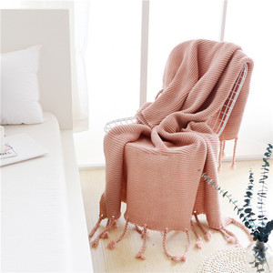 S4398 fashion 2019 autumn custom super thick warm throw sofa couch blankets tassels fringe knitted chunky blankets for winter