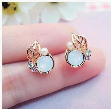2017 Korean Version Of The New Fashion Crystal Silver Leaf Earrings Female High Quality Jewelry Factory Direct Wholesale