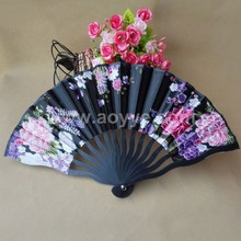 2018 new dragon fan wholesale 23 cm plastic bone color butyl cloth keel order ms cloth folding fan