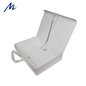 China Manufacture Made Custom Logo Printing Folding Paper Gift Box Caraboard Gift Packing Box With Ribbon