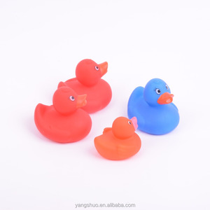 custom design rubber race and bath duck for baby toy