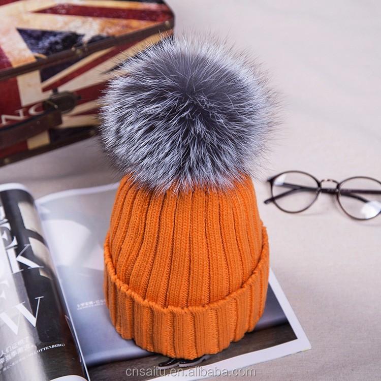 Genuine Women winter beanie hat bobble style with fox fur pompom raccoon fur  pompom Headgear Tuque 997d201299d