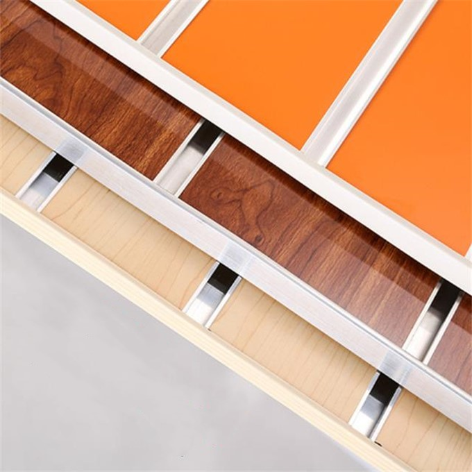 Direct factory high quality melamine faced slatwall <strong>mdf</strong> board