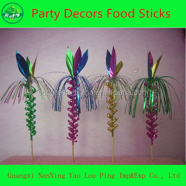 Plastic spring party poppers with headcard packing