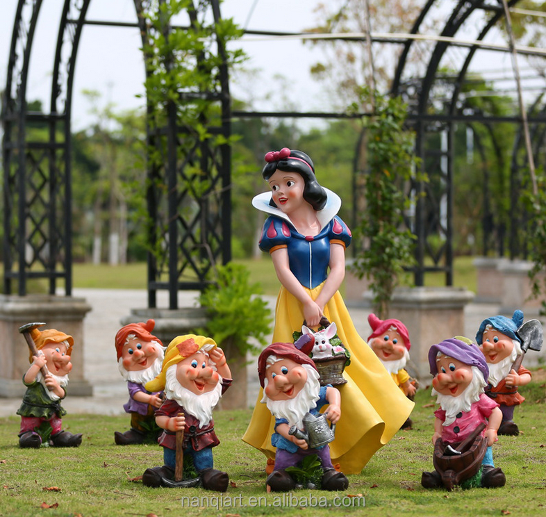 The Life Size Resign Snow White And Little Man Statues For Kids Garden