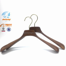 Customized Logo Extra Wide Shoulder Hanger Walnut Finish Wooden Coat Hangers