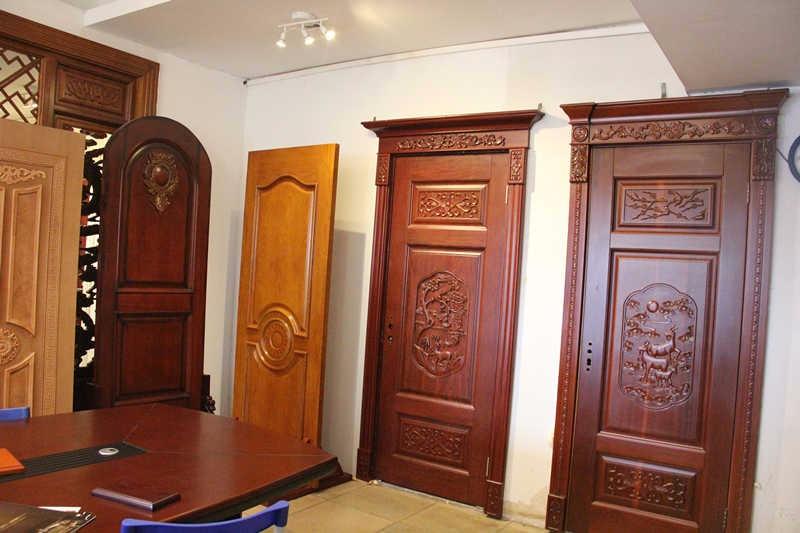 Entry intaly style natural kerala teak wood main door for South indian main door designs