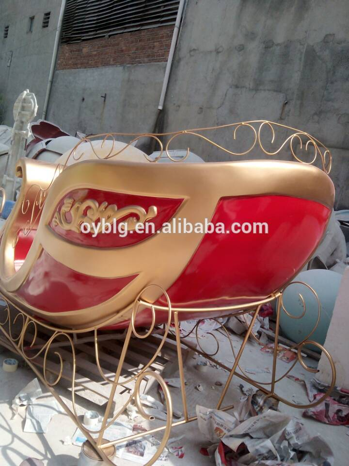 giant size outdoor christmas sleigh