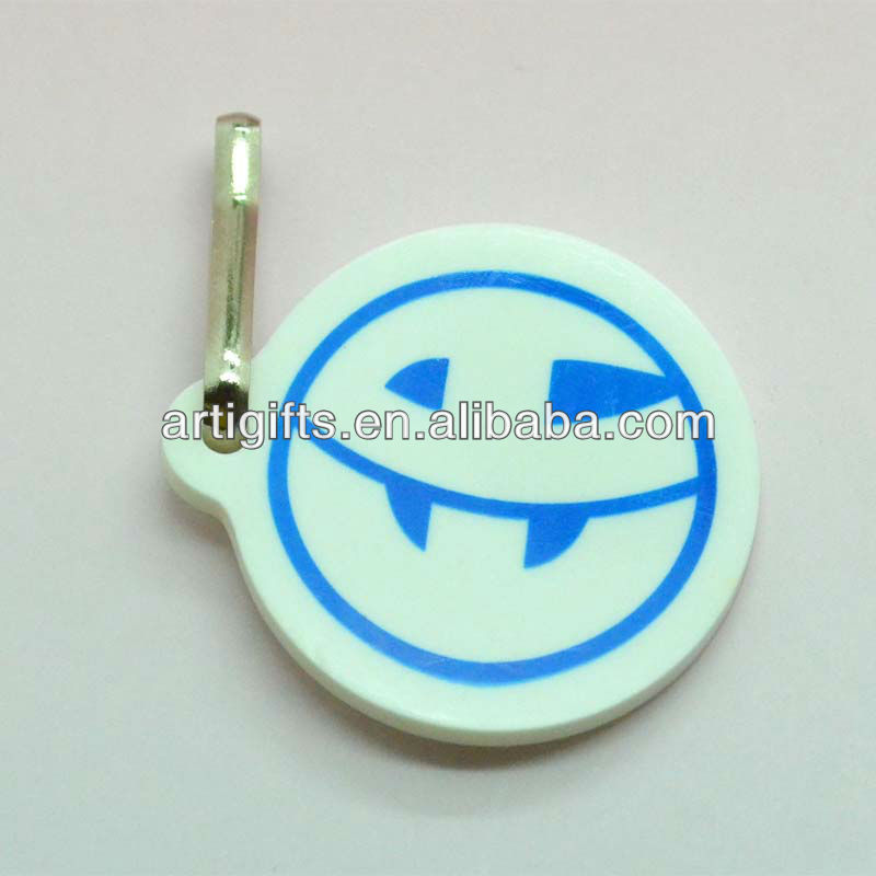 Soft pvc cheap customized zipper puller