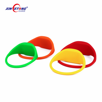 Popular custom embossed logo silicone wristbands Shenzhen manufacturer