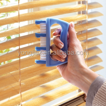 plastic window blind cleaning brush