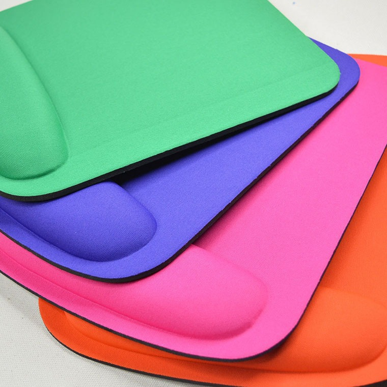 2018 2019 Colorful CMYK Printing Mouse Pads Promotion Gifts Giming Mousepad for Silicone Mouse Pad with Wrist Rest
