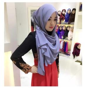 04266f91c84 Wholesale factory 2018 new design colors modal fabrics hijab cap head scarf  muslim women african head scarf
