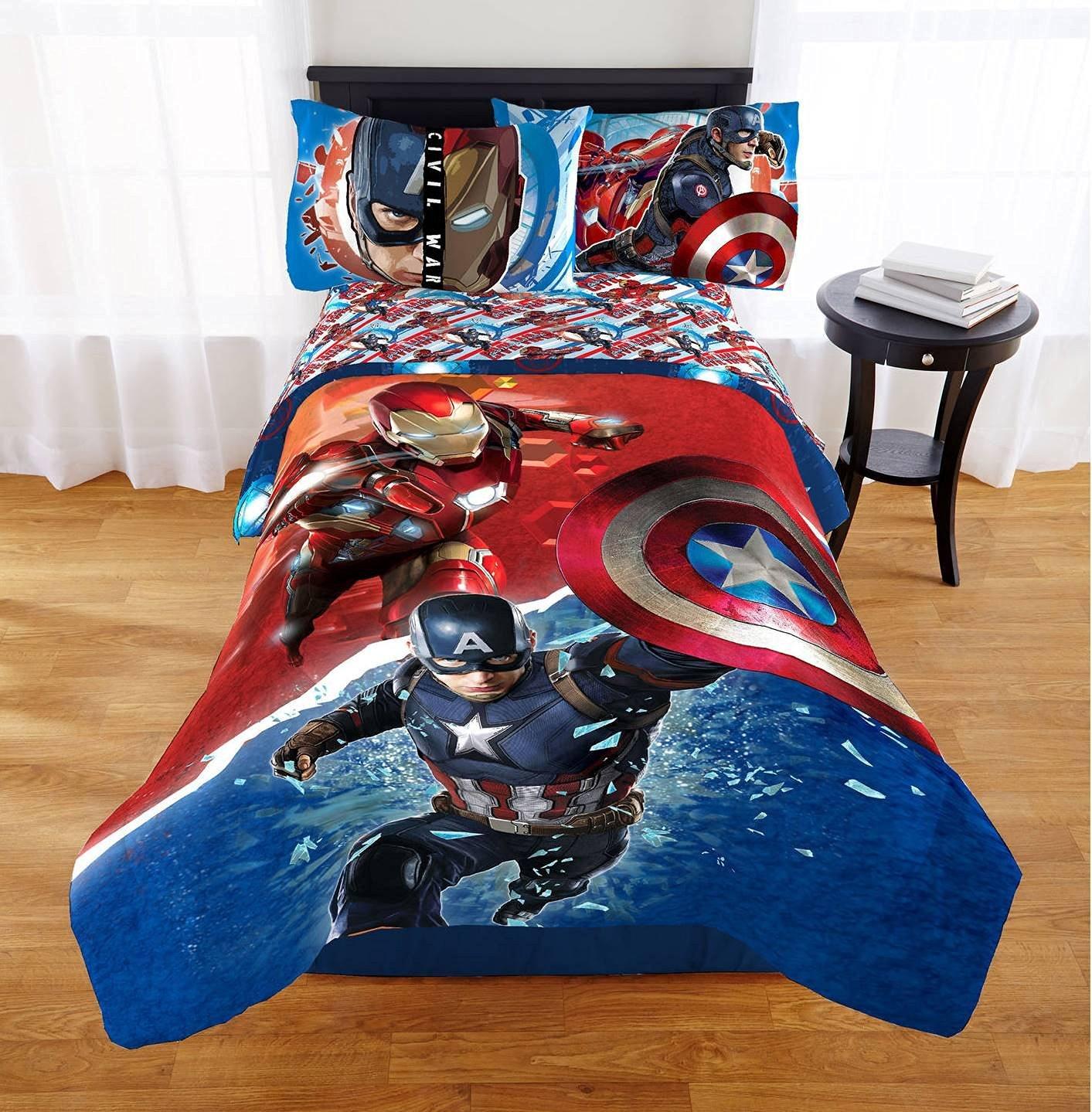 Marvel Avengers Civil War Twin/Full Comforter & Twin Sheet Set