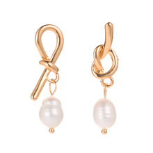 2019 Fashion Popular Simple Metal Pearl Pendant Earrings Personality Woman Earrings Jewelry Pendant Sweet Earrings