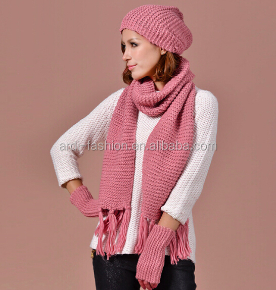 New Design Wholesale Winter Ladies Knitting Pattern Fringed Hat
