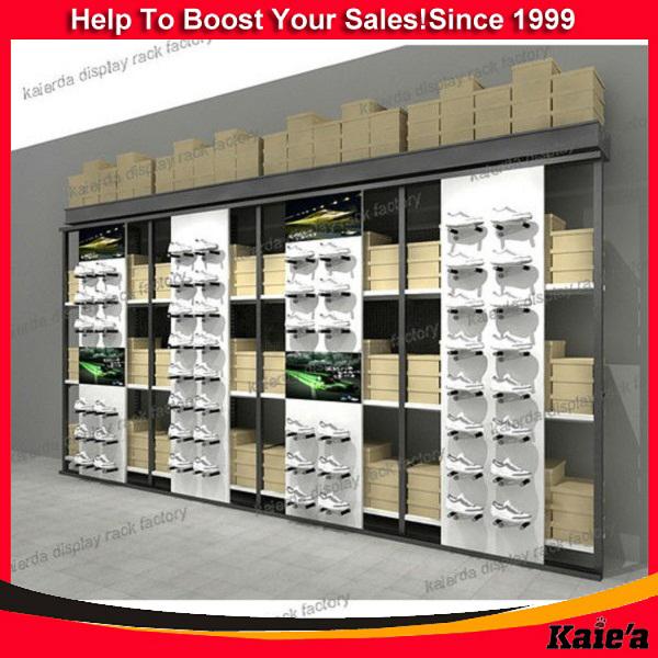 negozio scarpe sportive