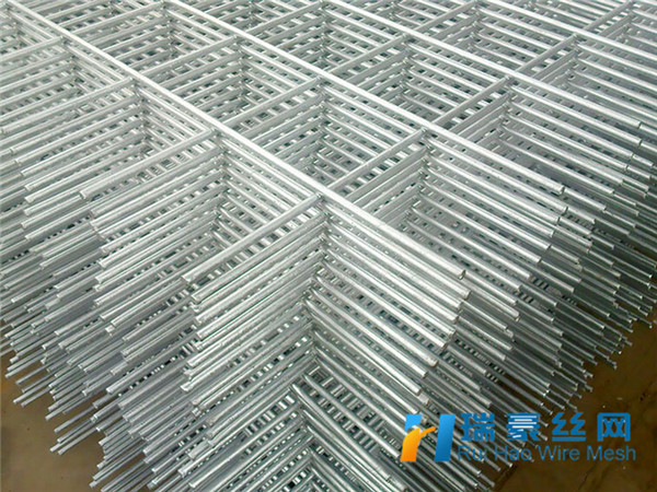 China Cheap Welded Wire Mesh Sheets Welded Wire Livestock