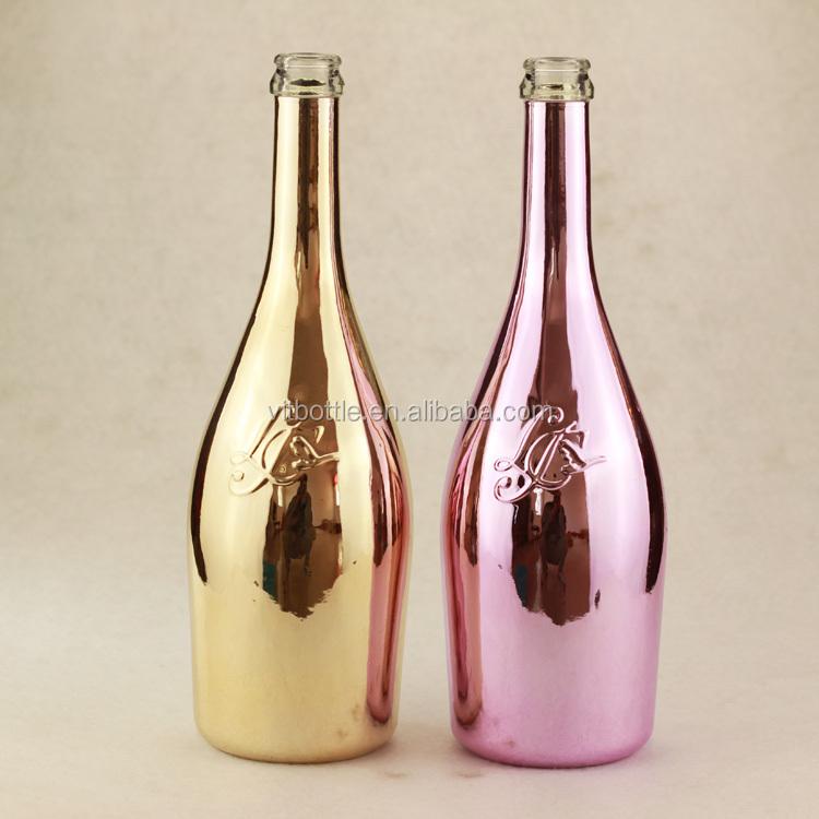 cool design spray painting bottle gold champagne bottle. Black Bedroom Furniture Sets. Home Design Ideas