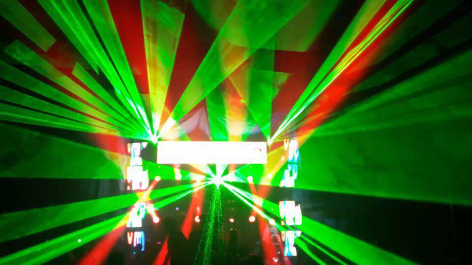 CW Full Color 3D RGB Disco Laser Projector Light
