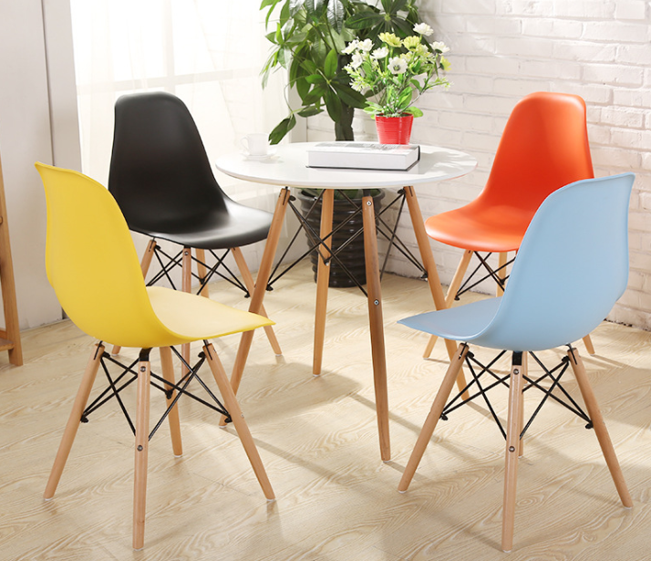 Factory Wholesale Classic Plastic Dining Chair