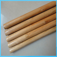 bulk supply varnished wooden broom handle for household cleaing tools