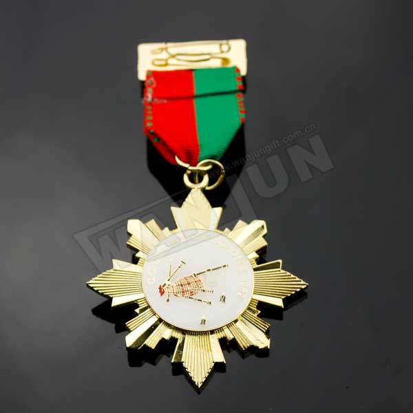 make metal medal label pin