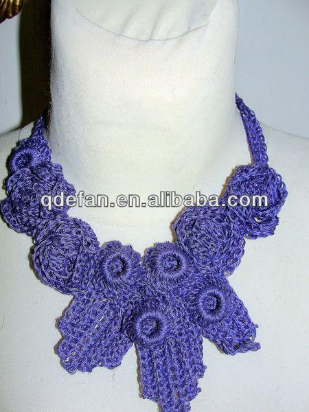Hermoso tejido a mano crochet collar de flores patrones para las mujeres se visten