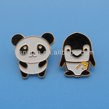 leuk dier vorm pin badge/aangepaste metalen panda en pinguin vorm revers pin badge