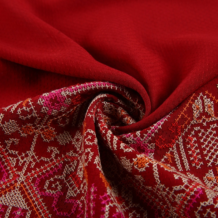 Newest cross stitces traditional style border spun rayon embroidery fabric price