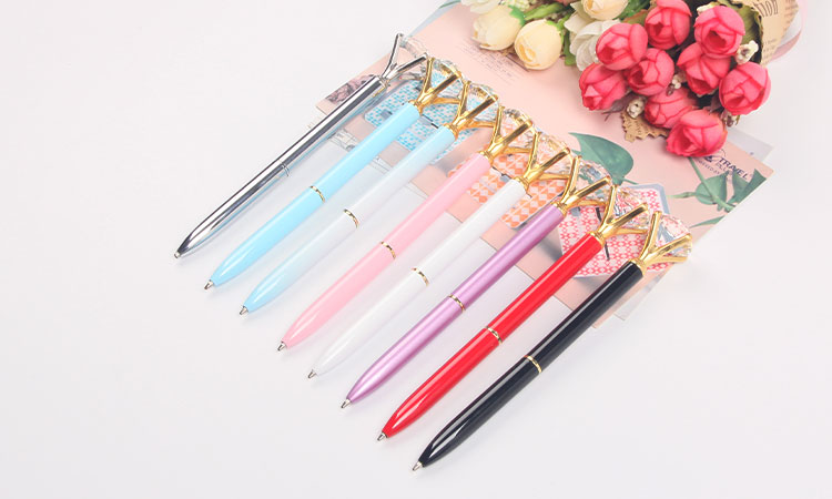 2019 factory new product big diamond light metal ball pen with high quality crystal for beautiful gift