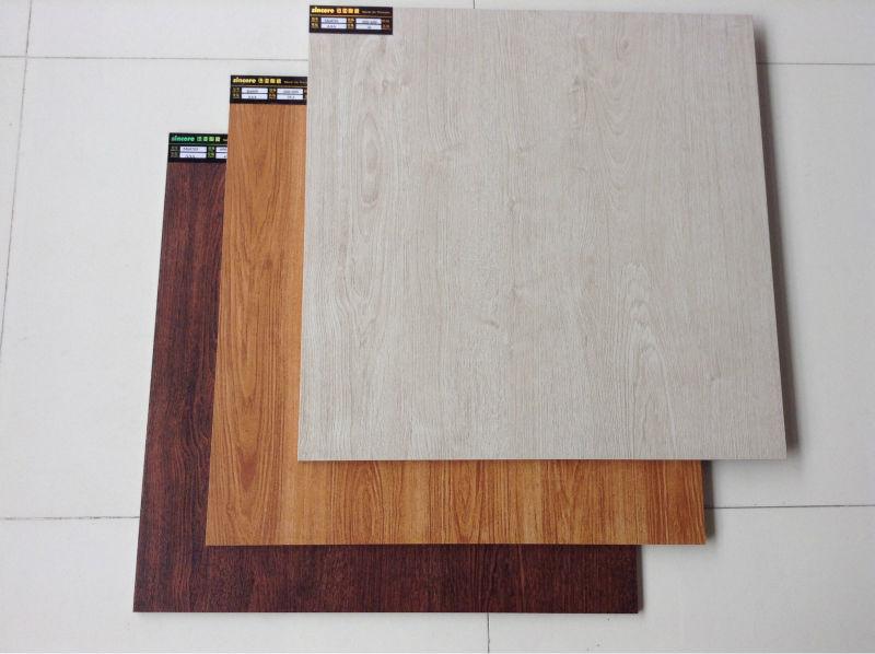 Comfortable Glossy Polished Living Room Floor Tile