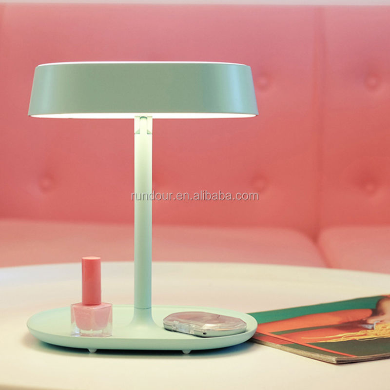 Fashional LED Mirror Makeup USB Power Supply Lamp Stand Mirror Table