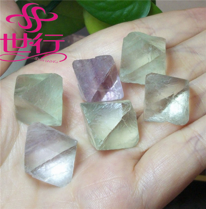 Wholesale Green Fluorite Octahedron <strong>Crystal</strong> Tumbled Stone