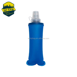 2018 running Sport collapsible foldable tpu water bottle softflask Folding Sport Water Bag Soft TPU Drink Bottle