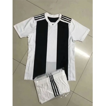 timeless design e5b73 46c0e 2018-2019 Kid And Adult Customized Juventus Ronaldoo Without Brand Logo  Soccer Jersey - Buy Soccer Jerseys Cheap,Team Soccer Jerseys Cheap,Custom  ...