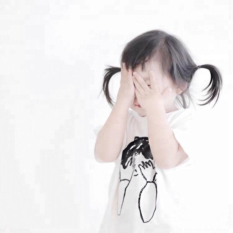 Стеснительная девочка картинка