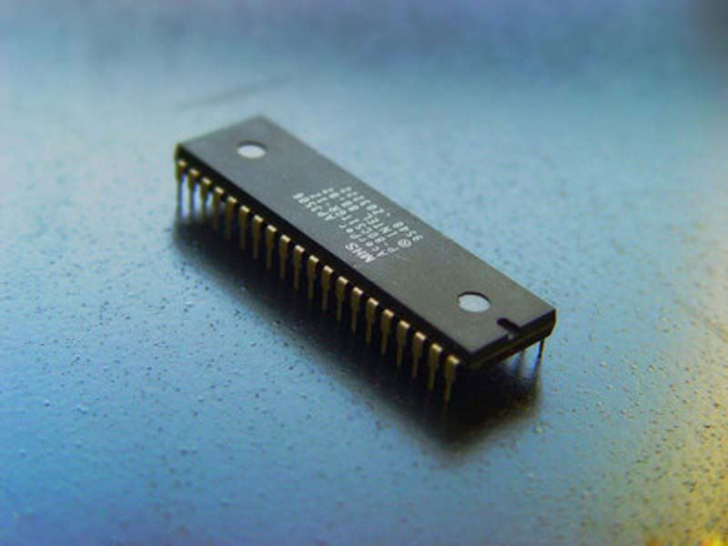 Components IC, RF Transistors m69000 , lithium ion battery charging module