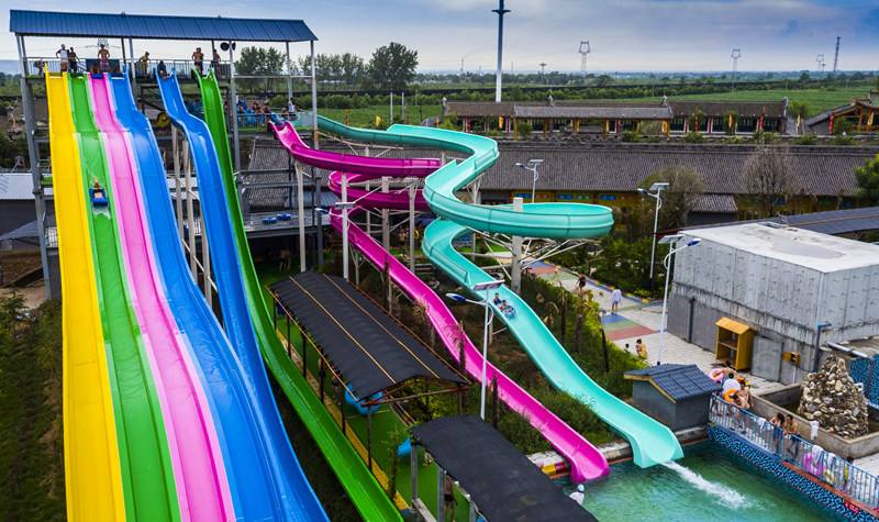 Qingfeng 2017 carton fair crazy Highest speed combination water slide water park