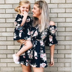Family Matching Clothes Baby Girls Dresses 2018 Summer Matching Mom Daughter Floral Dress Family Look Mom And Daughter Vestido