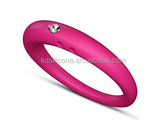 Hottest Sale Silicone Wedding Rings Embossed Silicone Rubber
