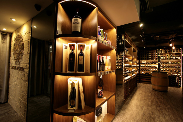 Luxury wood exhibition wine display rack showcase with led for Wine shop decoration