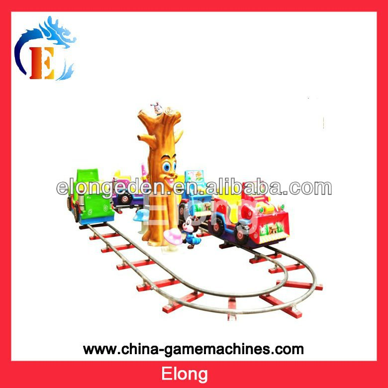 2013 good quality electric ride on train with tracks