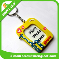 custom pendant pvc rubber keychain photo frame to put photos