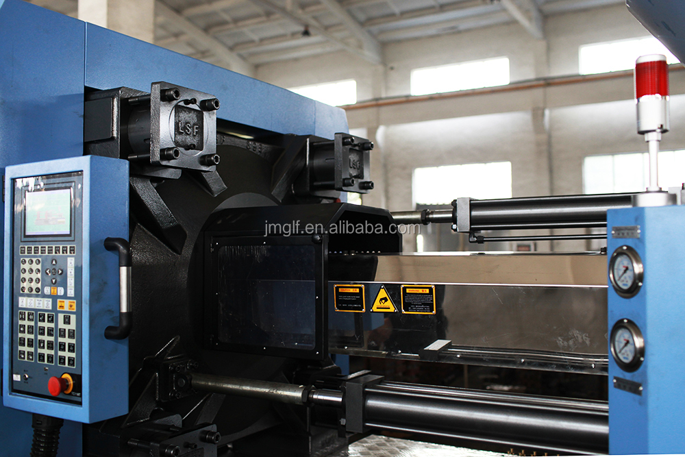 Injection Moulding Machine/plastic Making Machine/small Plastic Injection  Molding/cost - Buy Small Plastic Products Making Machine,Plastic Making